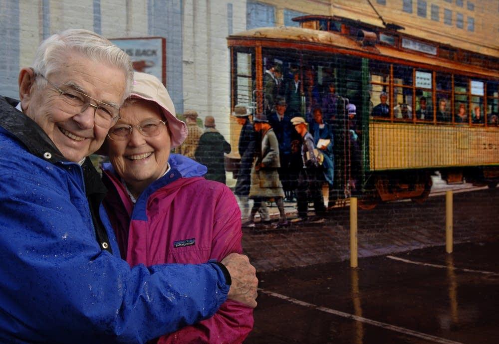 Streetcar couple