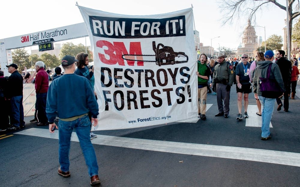 ForestEthics protested against 3M in Texas.