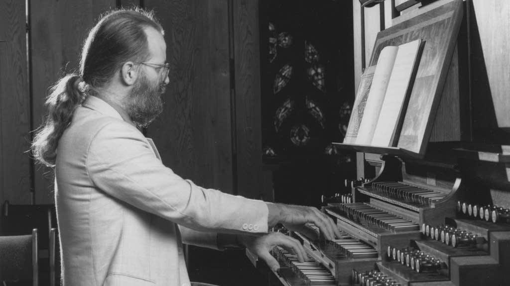 Michael Barone at the organ