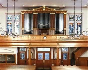 1996 Bond organ at Holy Rosary RCC
