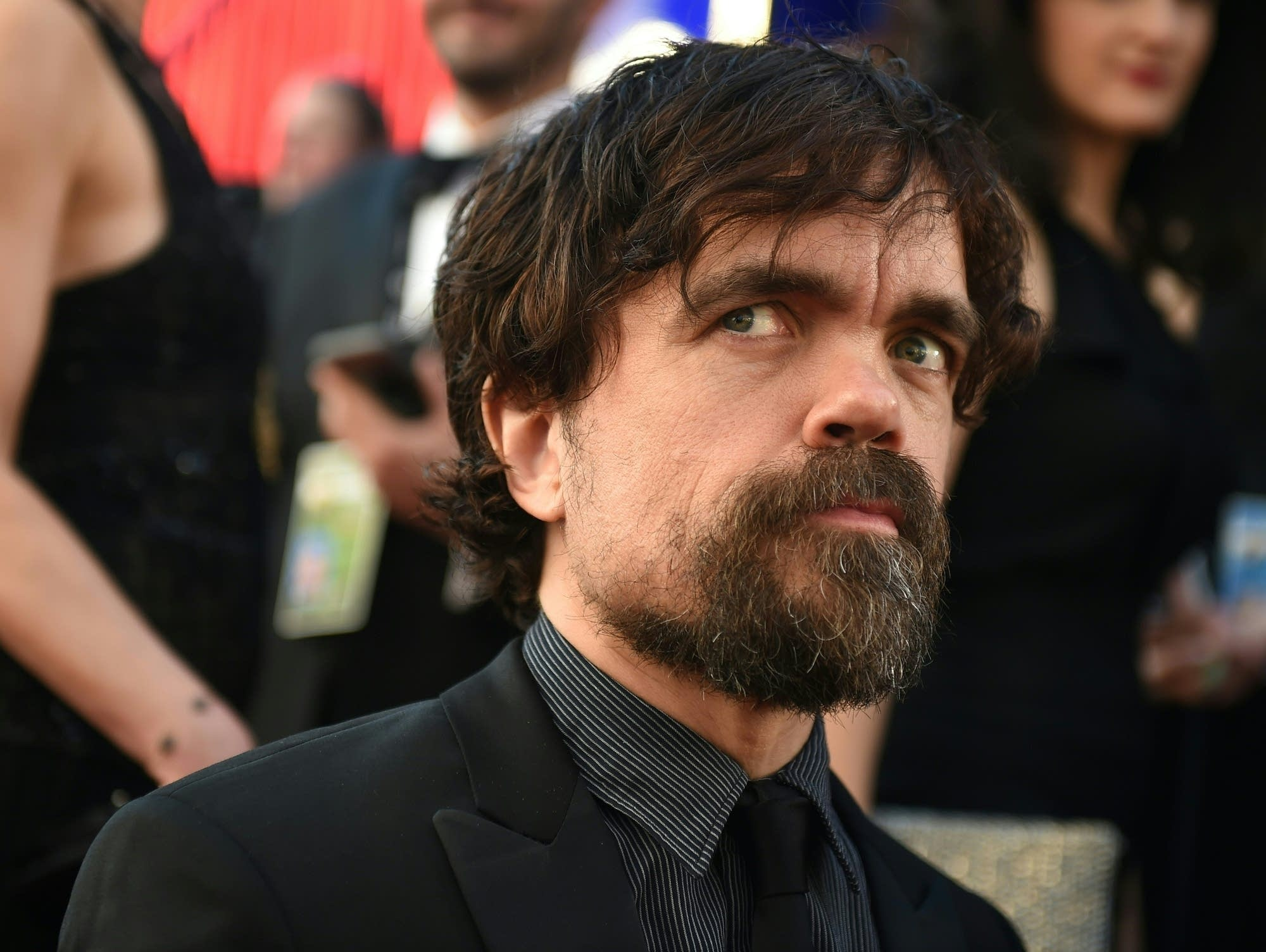 Peter Dinklage arrives at the 2017 SAG Awards.