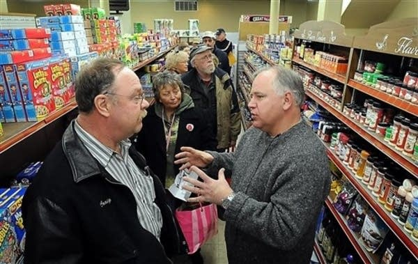 Walz greets constituents