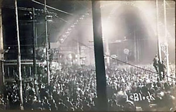 An estimated crowd of 10,000 gathered for the lynching of Will James.