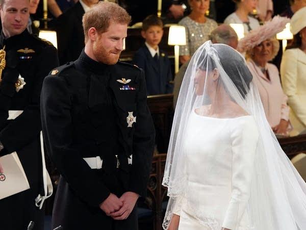Meghan Markle Wedding Dress Designer.Meghan Markle Wears Wedding Dress By Uk Designer Clare Waight Keller