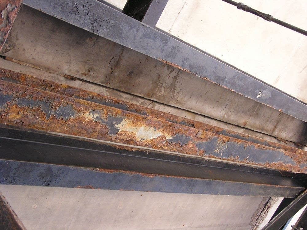 Rust from Aug. 3, 2007, inspection