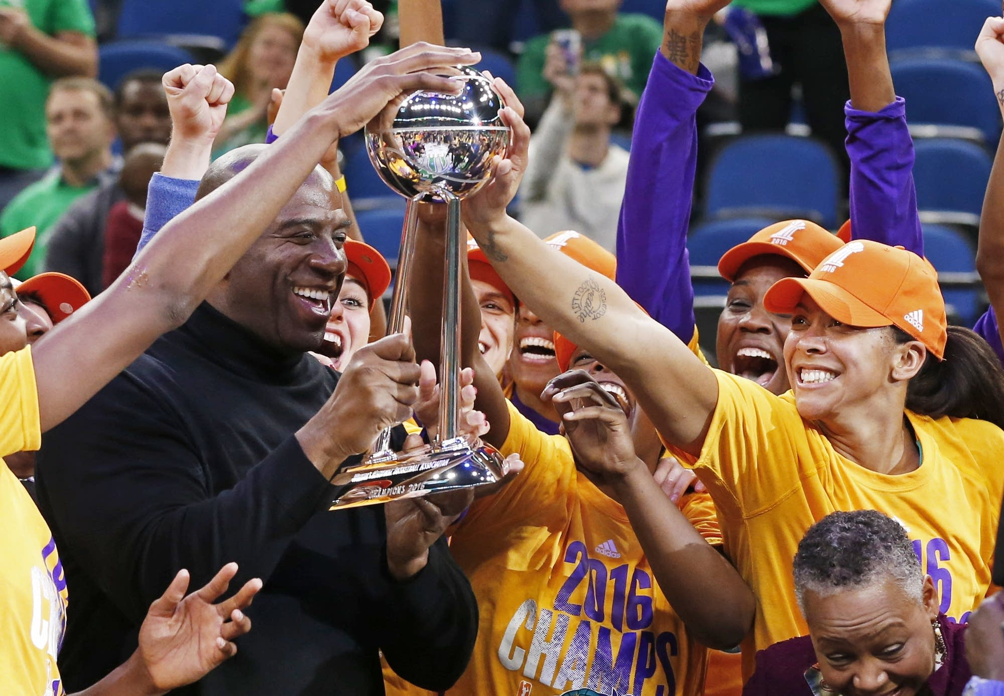 Ogwumike lifts Sparks to WNBA title beat Lynx 77 76