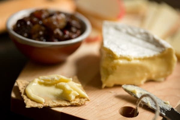 Alemar Bent River cheese