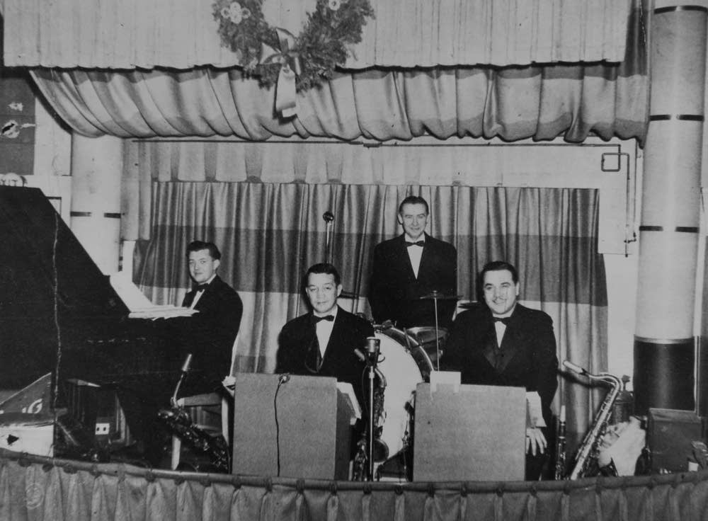 Turf Club in 1945