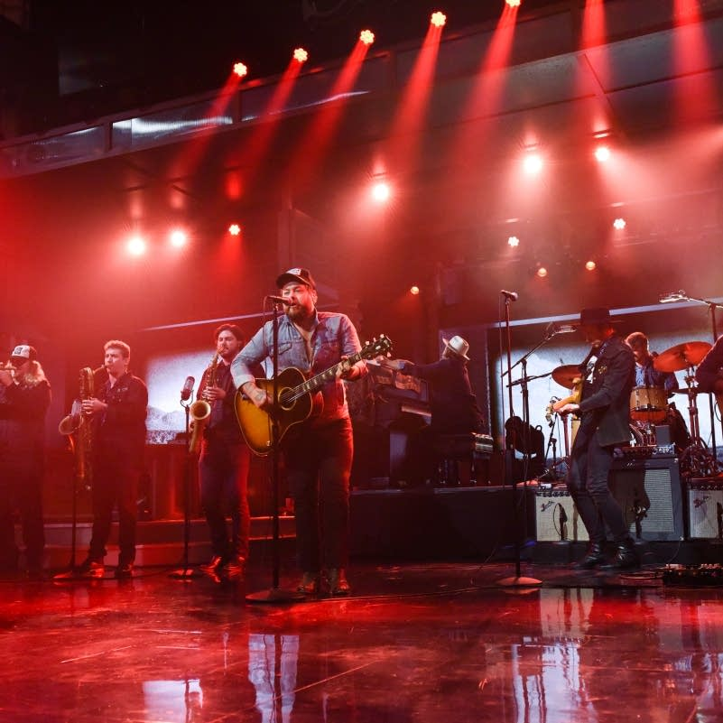 Nathaniel Rateliff and the Night Sweats on 'Colbert'