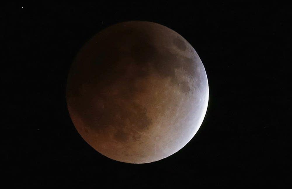 The moon turns orange