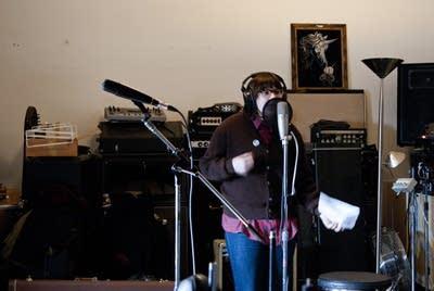 74b213 20130222 beck hansens song reader recording session 3