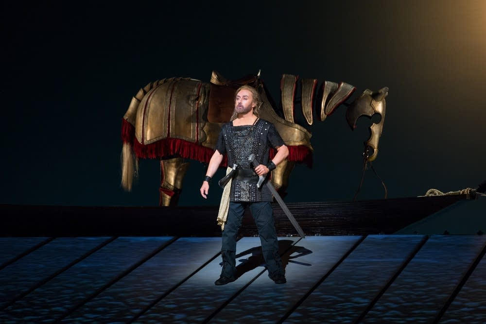 Lars Cleveman as Siegfried