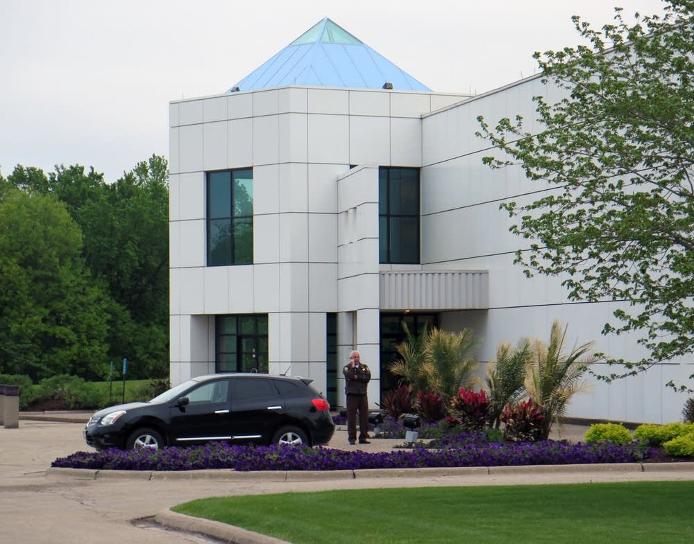 Sheriff's office employee at Paisley Park