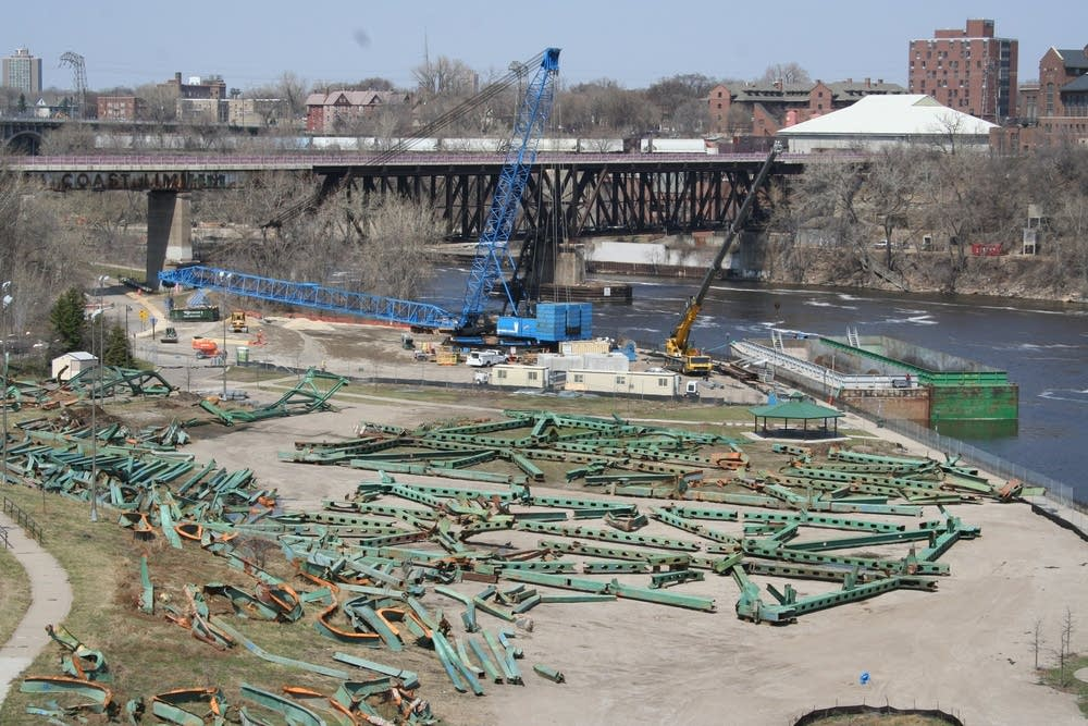 Steel from the I-35W bridge