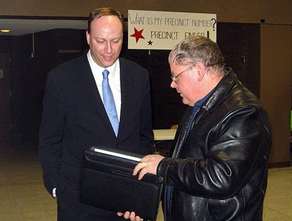 Seifert at a caucus