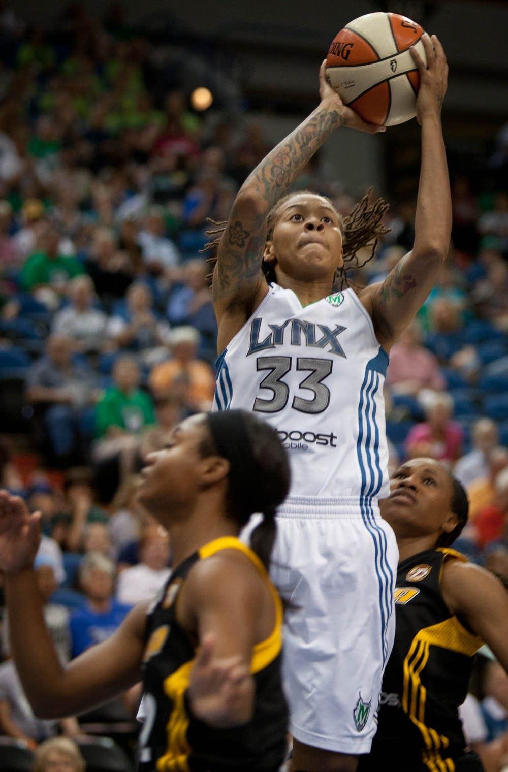 Minnesota Lynx v. Tulsa Shock