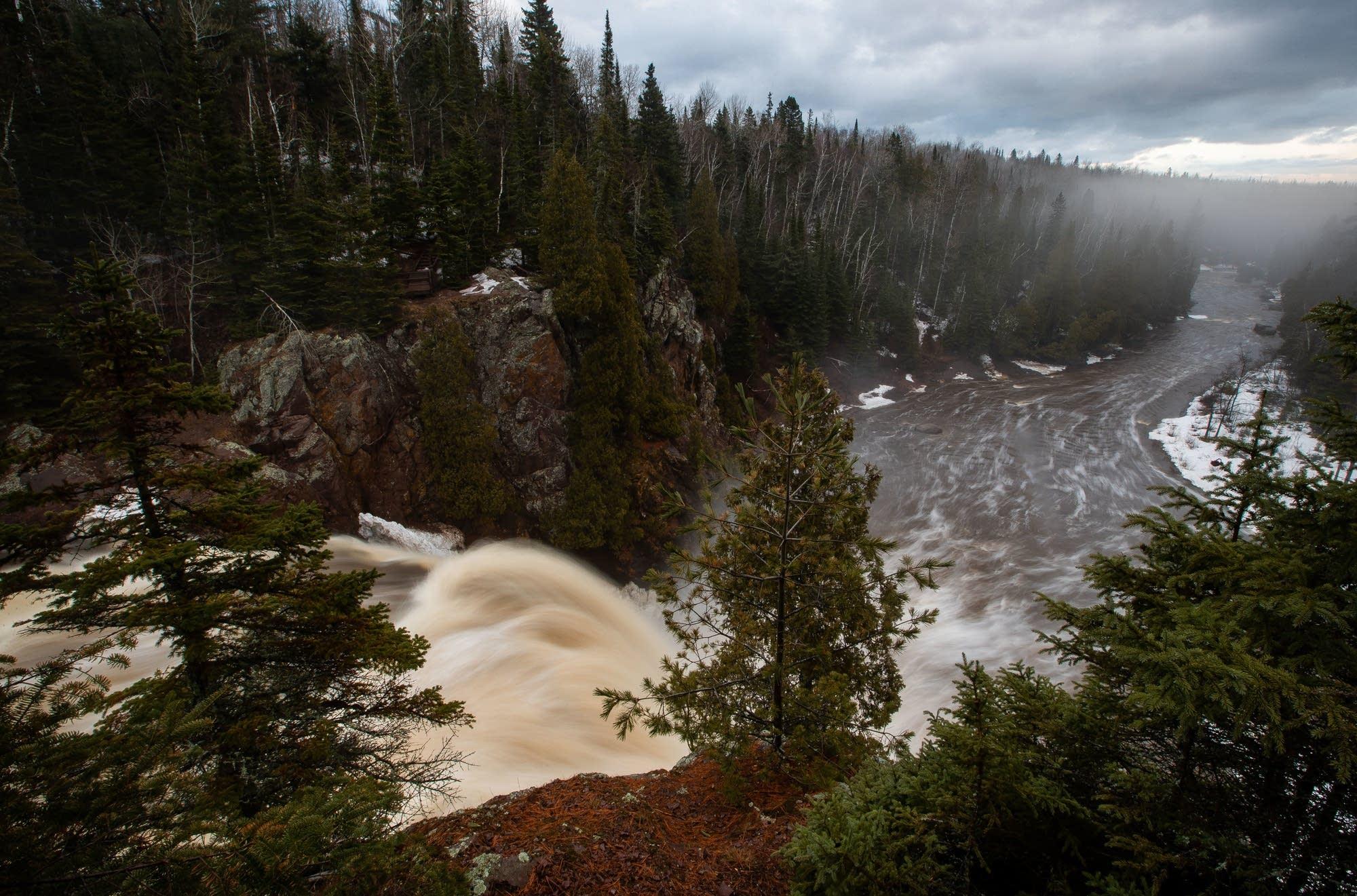 Tettegouche State Park high falls descends 70 feet