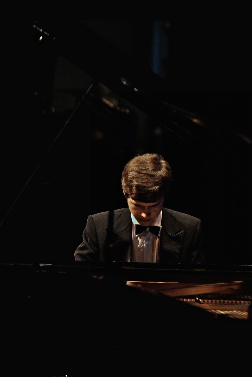 Osip Nikiforov plays Beethoven