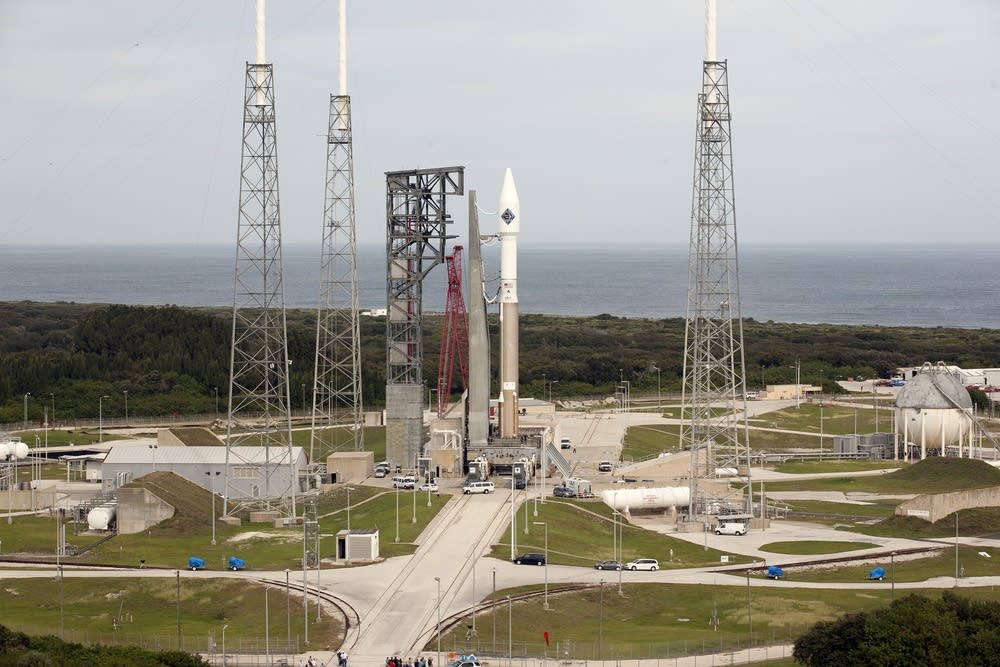 Atlas V carrying the Cygnus craft awaits launch