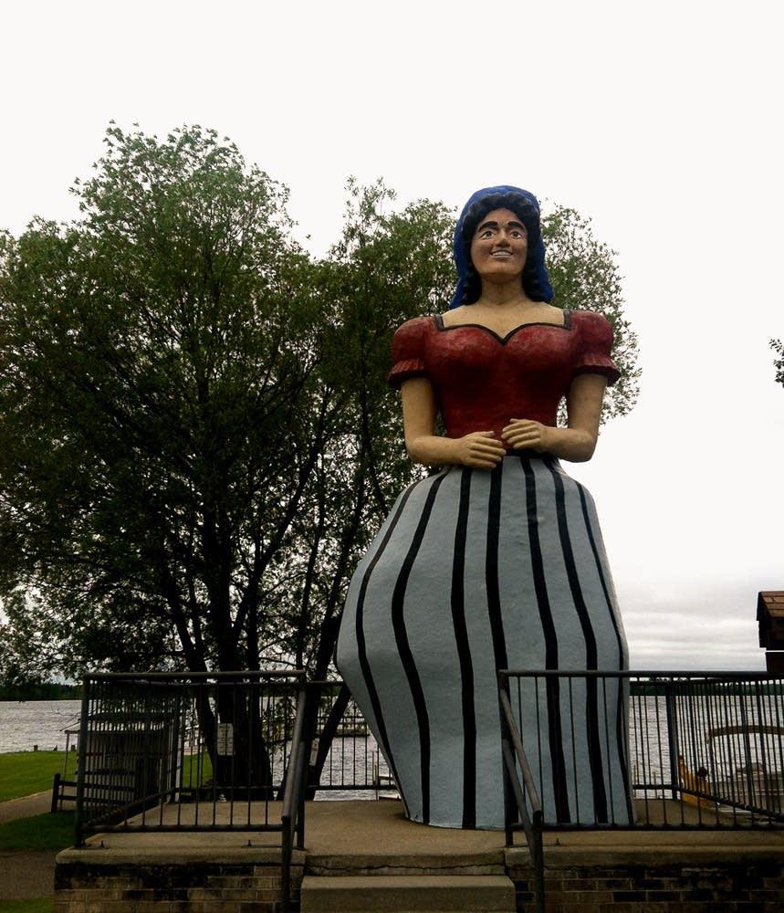 Lucette Kensack statue in Hackensack, Minn.