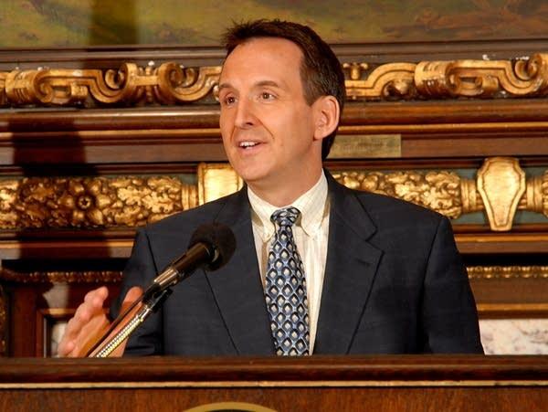 Pawlenty addresses new budget gap
