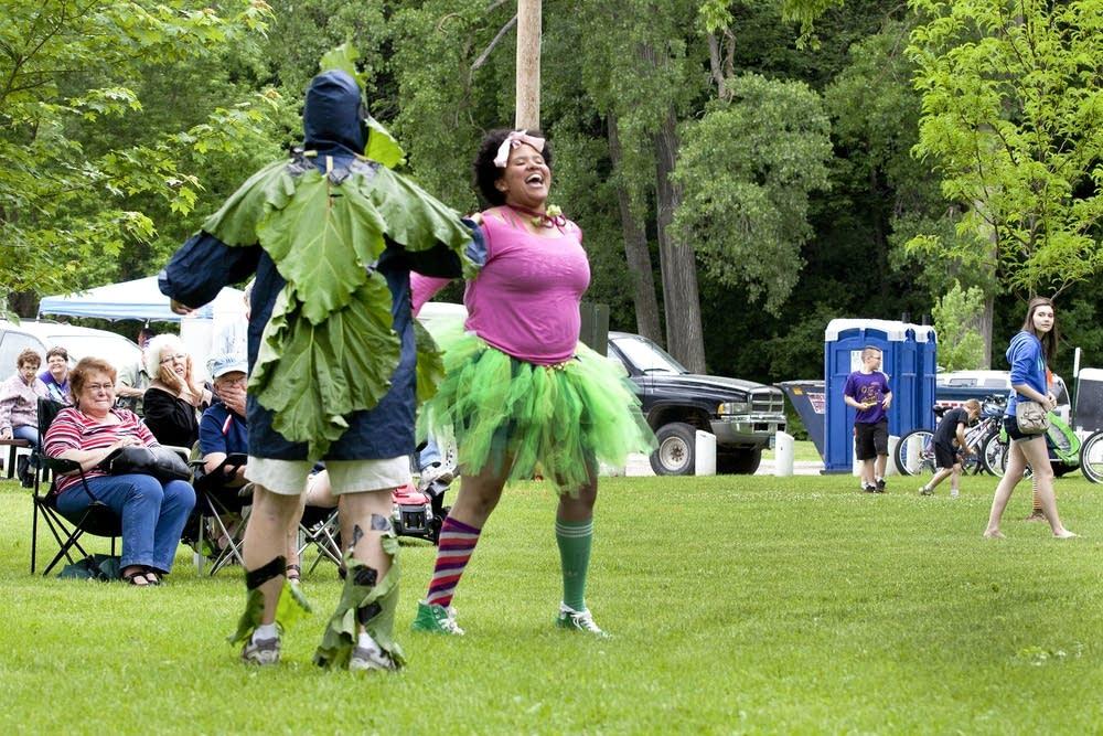 Rhubarb dance