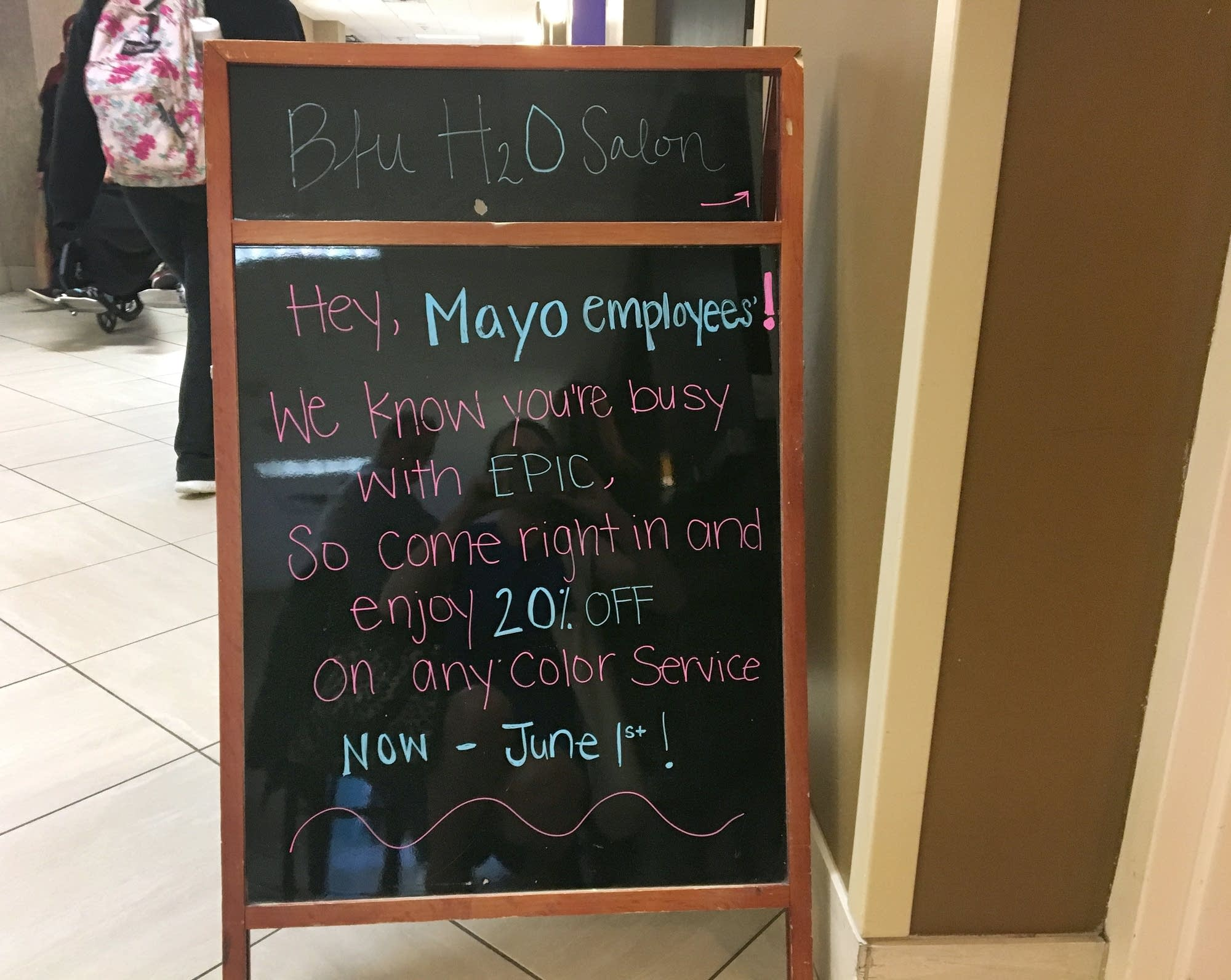 A Rochester salon tries to lure stressed out Mayo Clinic employees.