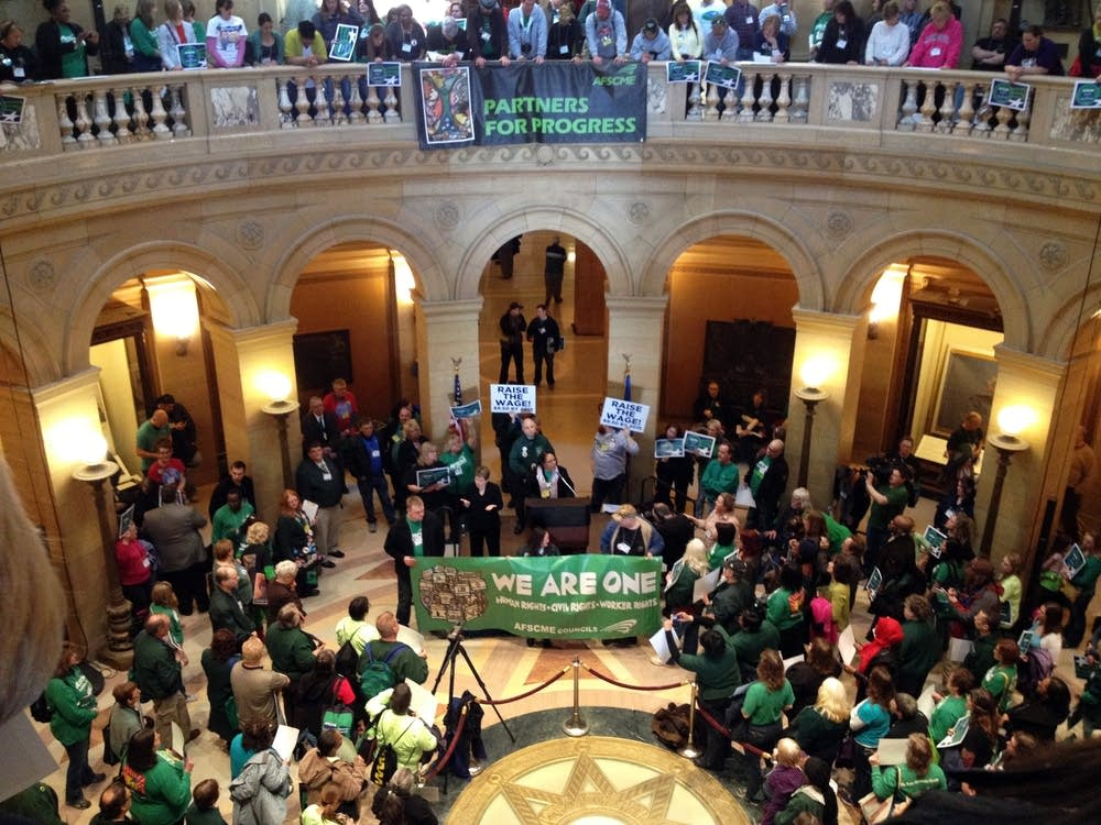 AFSCME Council 5 members rally