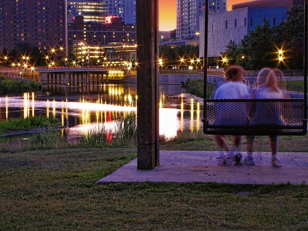 Couple in Mayo Park in Rochester