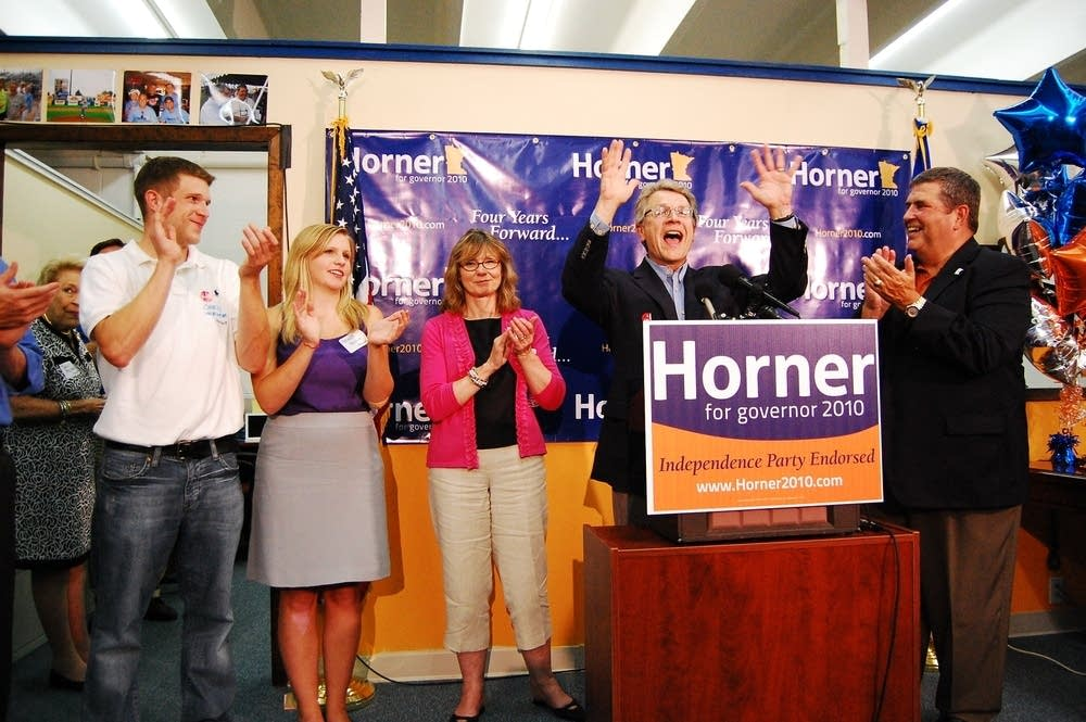 Tom Horner wins primary