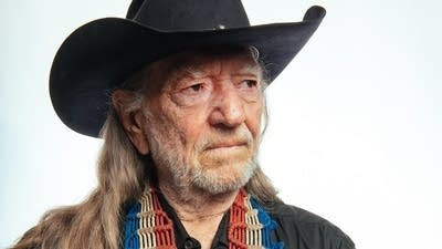 06976a 20140606 willie nelson