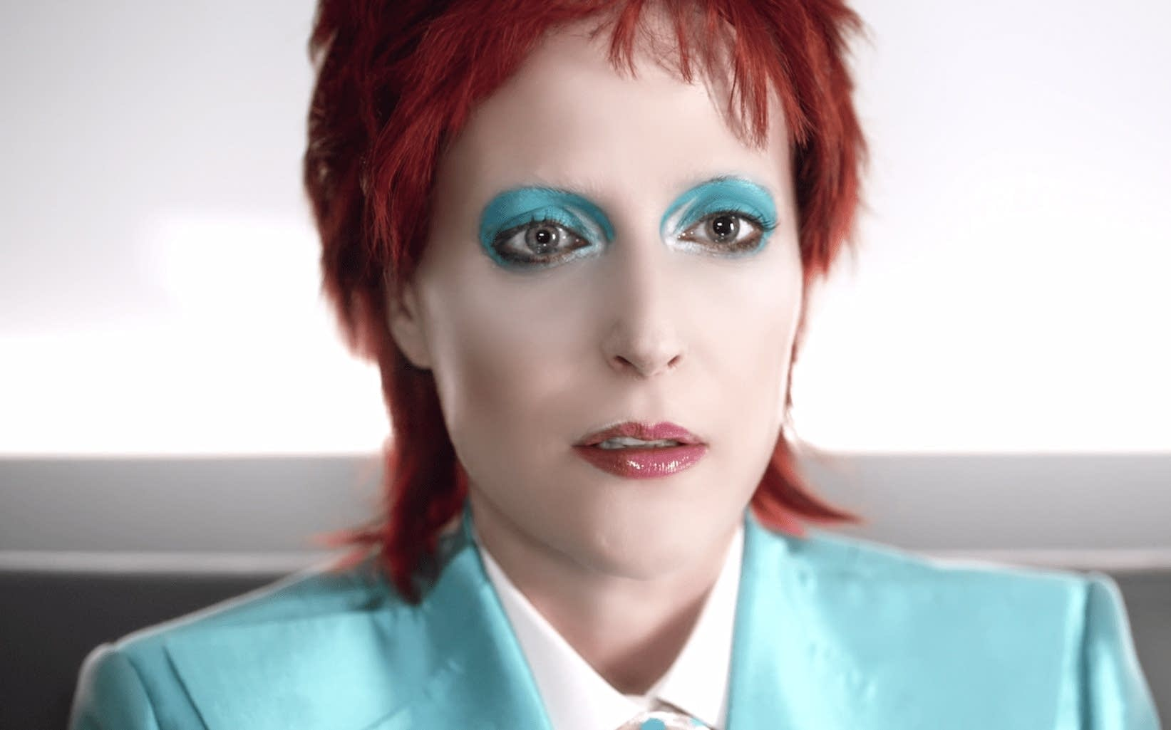 Gillian Anderson as David Bowie in 'American Gods'