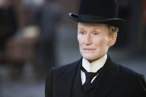 Albert Nobbs is a 'survivor,' Close says