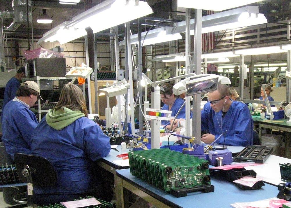 Hand soldering parts