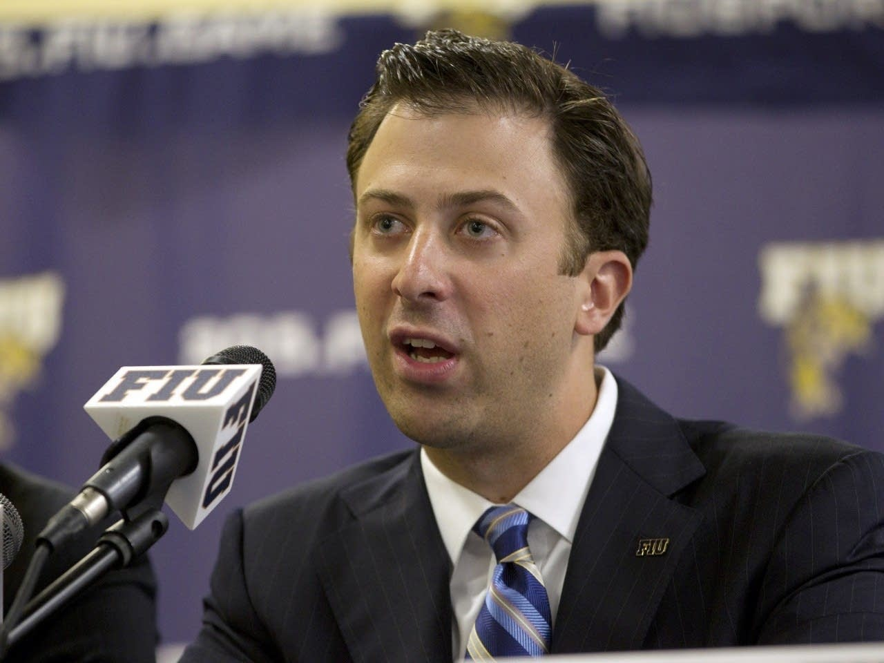 Press photo of new Gophers coach Richard Pitino