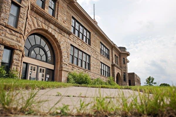 Sandstone School