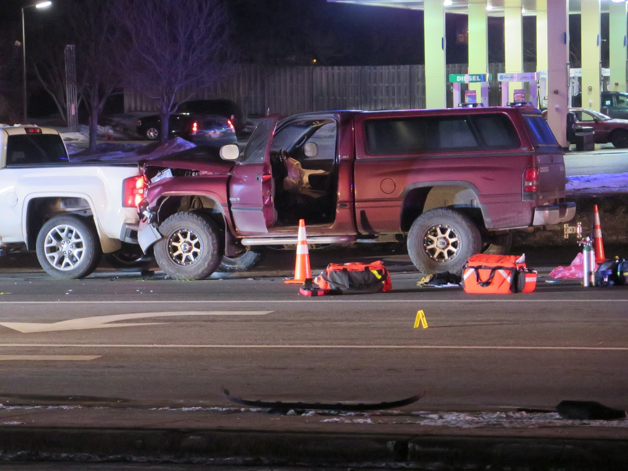 Attempted stabbing, shooting after rear-end crash in Fridley