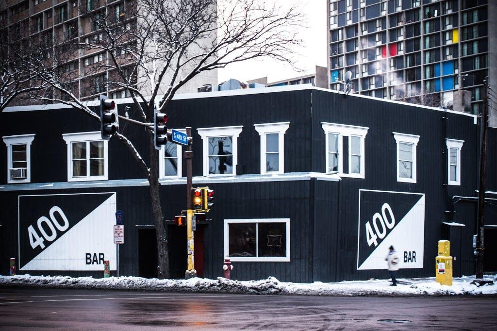 400 bar street view