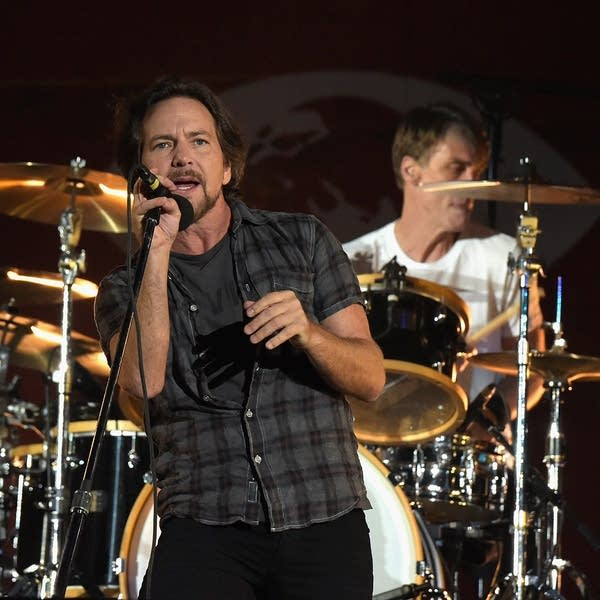 Pearl Jam v Sleater-Kinney: Match #52