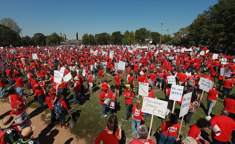 Teachers rally in Chicago