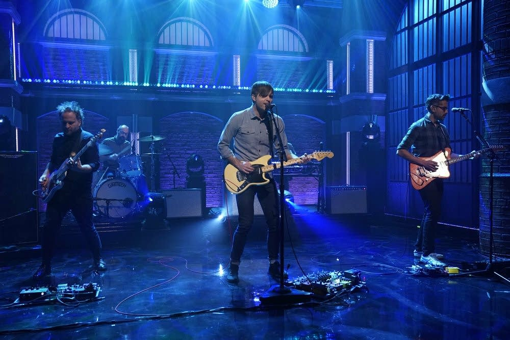 Death Cab for Cutie perform on 'Late Night with Seth Meyers'