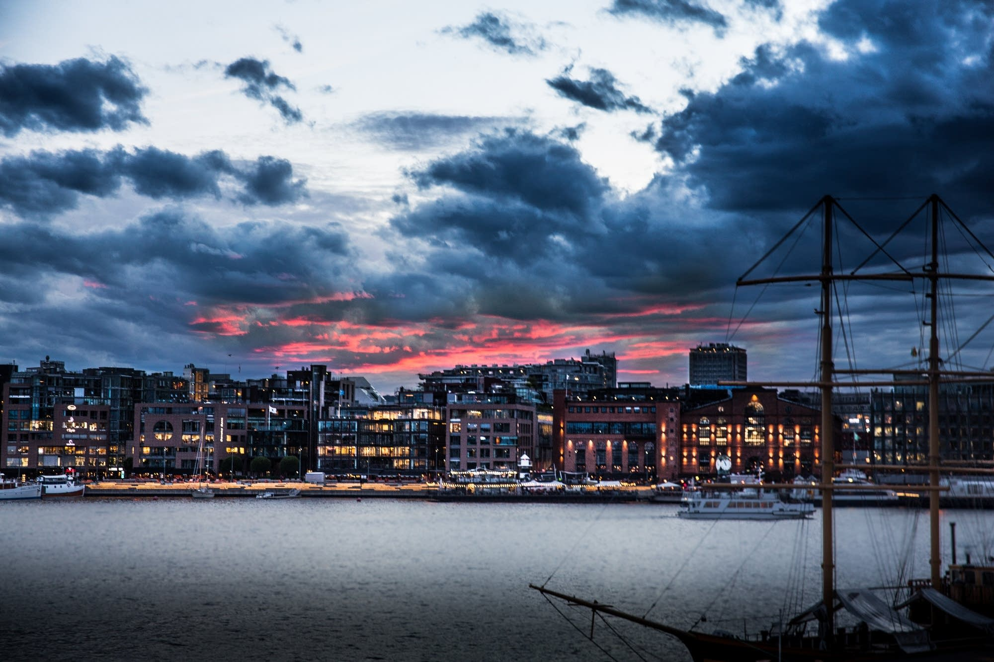 Oslo - 48 - red sunset