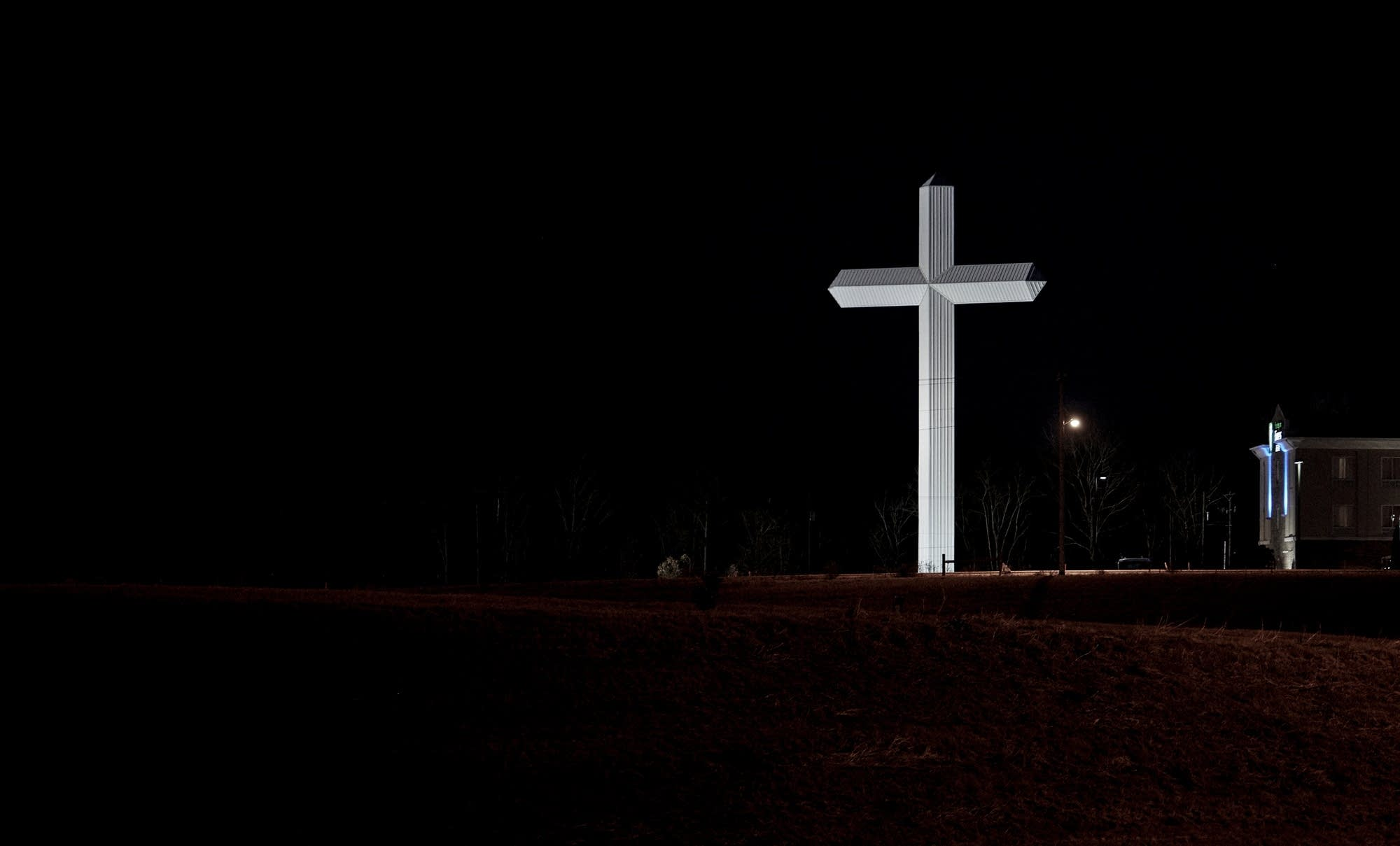 Winona, Mississippi, cross