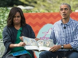 The Obamas reading children's book