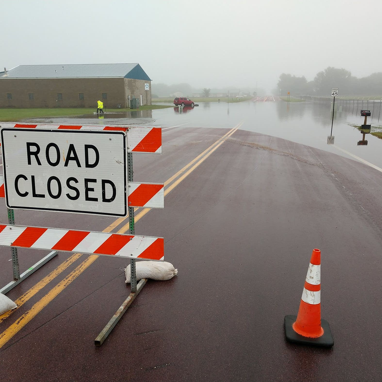 Flooding closes roads, interstates in southern Minn., S.D. ... on north dakota road restriction map, north dakota county roads, esmeralda county nevada map, n dakota road map, weather north dakota road map, nd sd map, north dakota road map printable, north dakota nd maps, south dakota dot road conditions map,