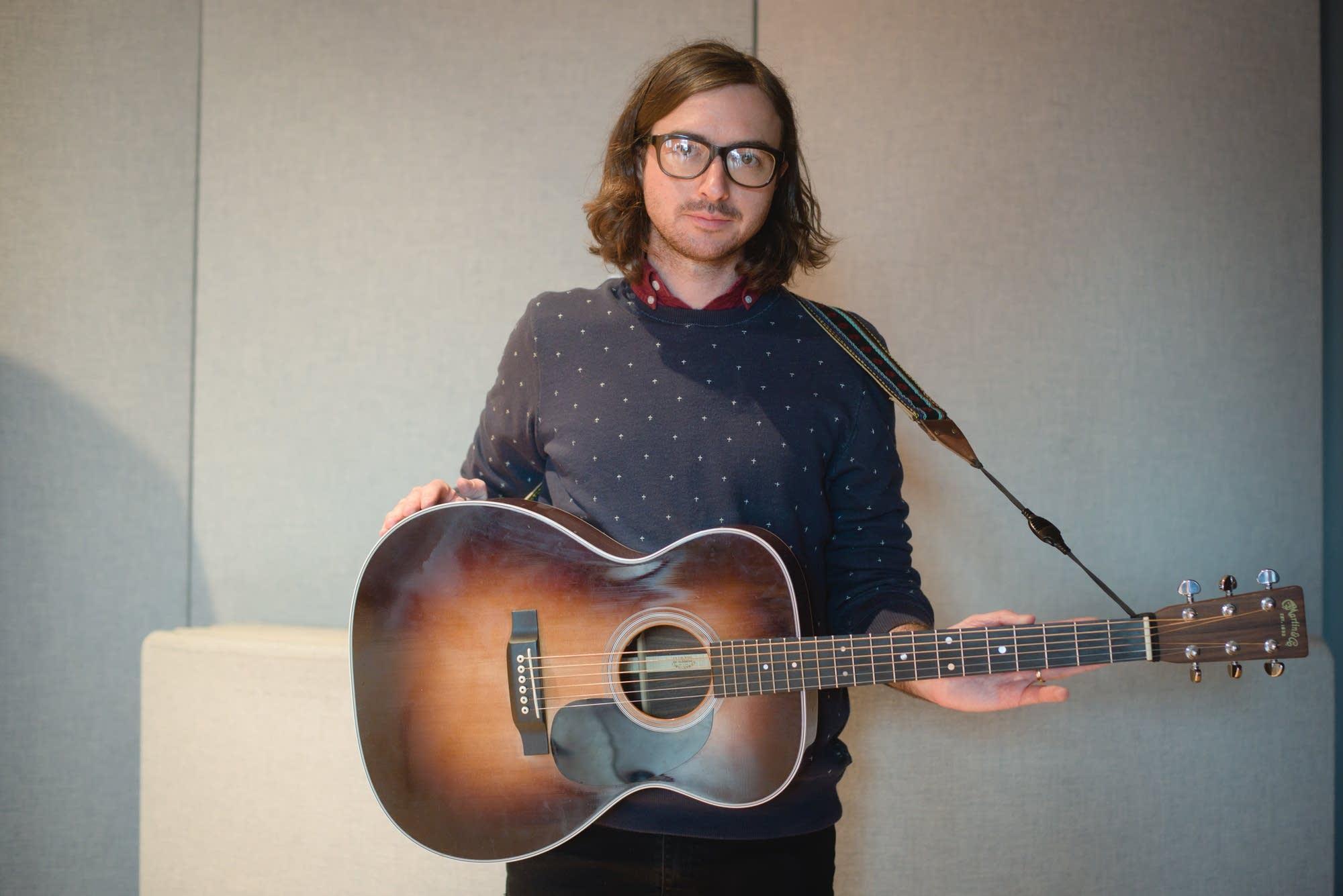 Martin Courtney, Martin OOO-28 acoustic guitar