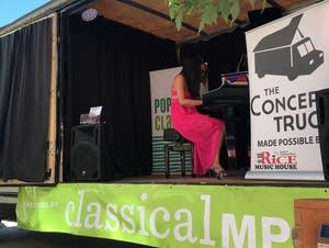 Pop Up Classical: The Concert Truck 2017 - Warming Up