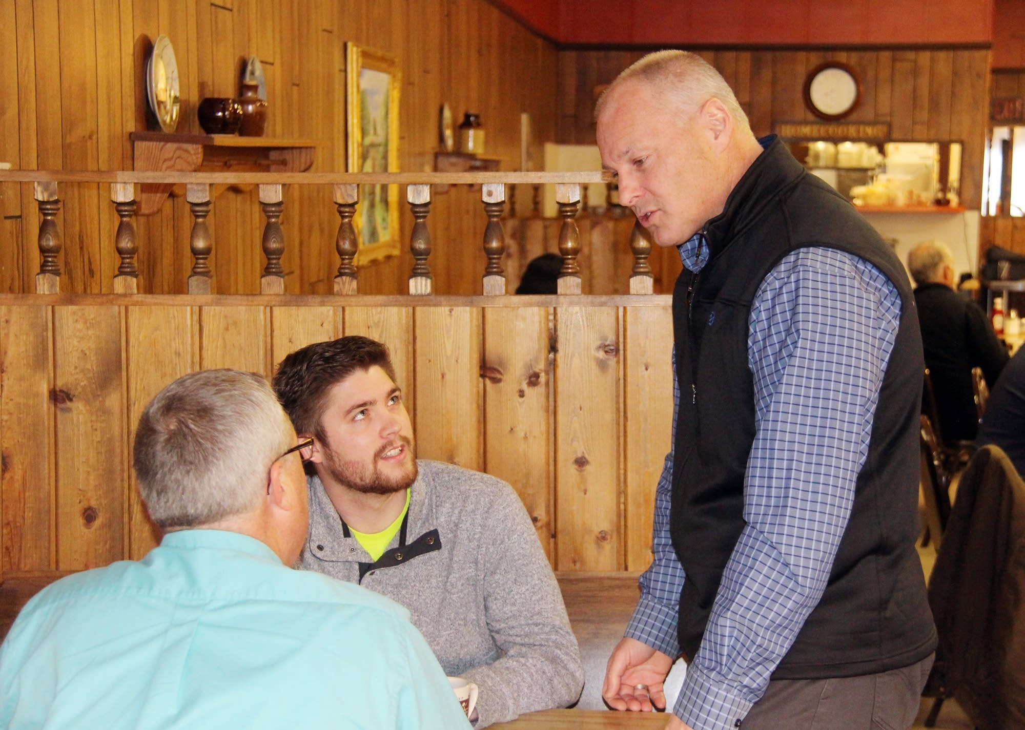 Pete Stauber introduced himself to potential supporters in Cambridge.