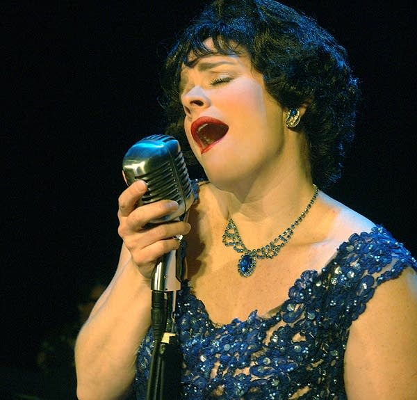 Monica Heuser as Patsy Cline