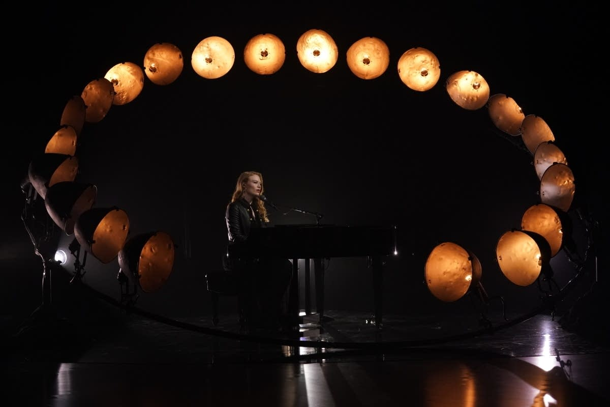 Freya Ridings on 'The Late Late Show with James Corden'